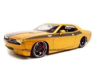 2006 Dodge Challenger Concept 1 18 Diecast Model