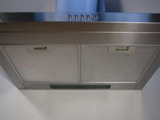 Aluminium filters are included which are dishwasher friendly