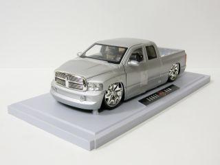 2003 Dodge Ram 1500 Diecast Model Truck   Jada / DUB City   118 Scale