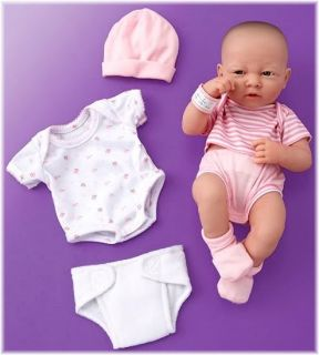 Little girls will love playing Mommy to La Newborn Real Girl doll