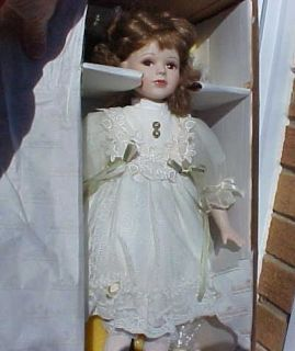 ASHTON DRAKE GALLERIES PORCELAIN DOLL LISA DOLL PHIL TUMMINIO 1995