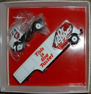 Dr Pepper Soft Drink Soda Beverage Hauler 98 Winross Truck