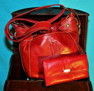 VGUC FOSSIL 2 for 1 Red Leather Satchel Shoulder Handbag Tri Wallet SO
