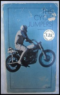 JUMPERS MOTORCYCLE DAREDEVIL BOOK EVEL KNIEVEL GARY WELLS 1973 HARLEY