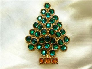 Beautiful Vintage Green Rhinestone Christmas Tree Signed Weiss Pin