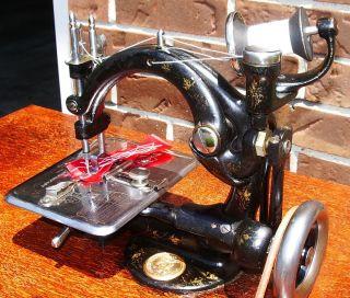 Eldredge Model 44 Chain stitch sewing machine, Early American,Show