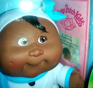 New Cabbage Patch Kids Holiday Doll Girll Erica Holly