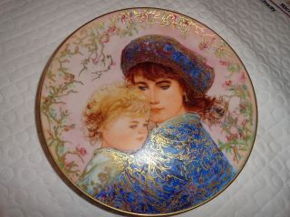 Edwin Knowles 1987 Edna Hibel LE Collector Plate Mothers Day Catherine