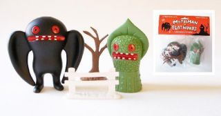 Mothman vs Flatwoods Monster Vinyl Toy Set Horvath