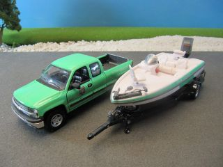 Gearbox Diecast US Forest Service Boat Chevy Silverado Pickup Truck 1