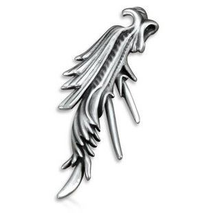 Final Fantasy Crisis Core Wing Feathers Black Angel Necklace Pendant