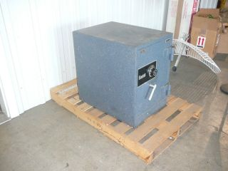 Gardall Safe Model 1812 G C 231 2 H x 161 2W x 171 2D Floor Safe with