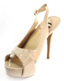 By Guess Womens Light Natural Tan Patent Cavion Platform Sandal Shoe