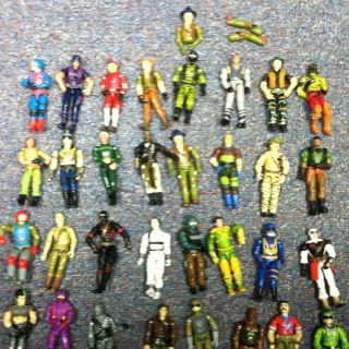 Huge Lot of Vintage Gi Joe Action Figures