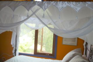 Cotton 4 Poster Bed Canopy Mosquito Net DB QB Great Trim Looks Amazing