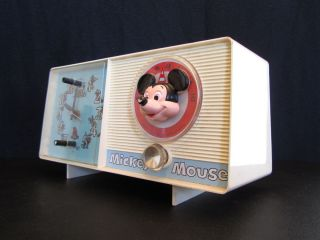 Walt Disney General Electric Mickey Mouse Cartoon Clock Radio