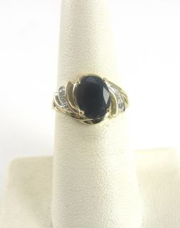 10K Yellow Gold Ring Onyx Accent Diamonds Size 5 3/4 Oval Cut Prong
