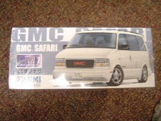 GMC Safari 1 24 Scale New 6595
