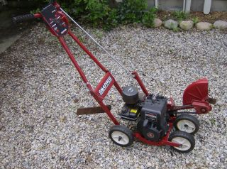 Snapper Gas Powered Lawn Edger 2 HP Briggs Stratton 4 Cycle Engine
