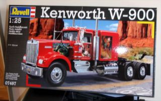 Revell Model Kit Kenworth w 90 USA Big Truck 07497
