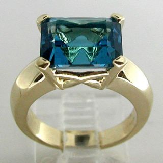 Estate 14k Yellow Gold London Blue Topaz Gemstone Ring