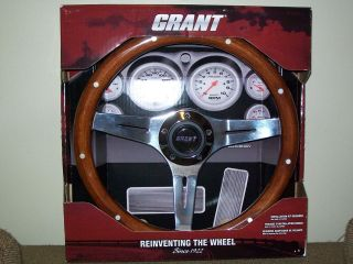 Grant 1175 Mohogany Steering Wheel New in Box