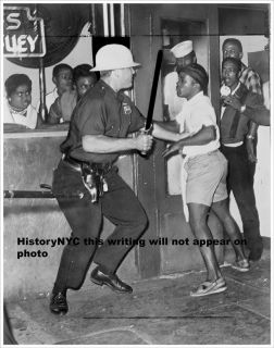 1964 Harlem Negro Race Riot Confront NYPD Police Photo