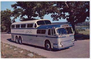 Greyhound Bus Super Scenicruiser 2 Postcard