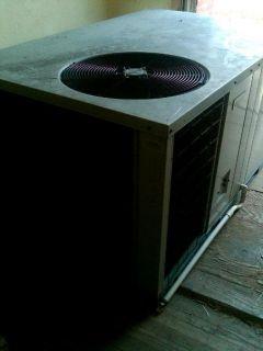 Ton Cooling 135K BTU Heat 1 Ph Split Unit Great Deal