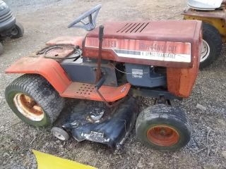 HECHINGER LAWN TRACTOR 44 DECK 18 HP BRIGGS STRATTON OPPOSING TWIN