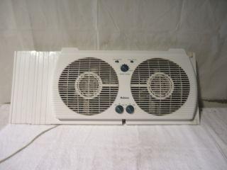 Holmes Dual 3 Speed Window Fan with Comfort Control EUC
