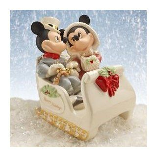 Lenox Disney Mickey & Minnie Winter Wonderland Figurine