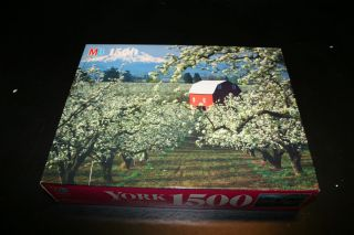 Bradly York 1500 Piece JIgsaw Puzzle Hood River Valley OR Sealed Box
