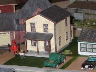 1004 HO Scale Model Railroad Company House Kit
