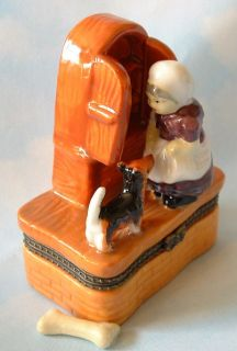 Childhood Nursery Rhyme Old Mother Hubbard Dog Bone Porcelain Hinged