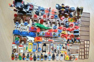Huge LEGO Castle Kingdom Knight Minifigure Lot 7092 Horse Skeleton