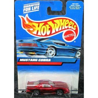 Hot Wheels 2000 Collector #121 Mustang Cobra 1/64 Toys & Games