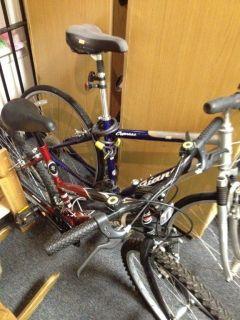 Giant Large Hybrid Cypress Bike Bicycle