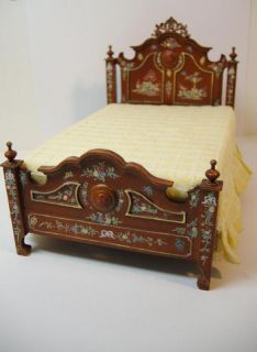 Miniature Famous Furniture 10100 Amazing Hand Paint Bed