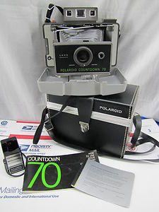 POLAROID COUNTDOWN 70 Instant Film Camera w/Case, Manual, Flash, Cold