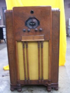 Antique Tube Radio Stromberg Carlson 140 L