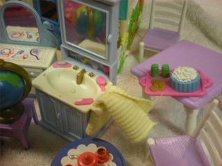Fisher Price Sweet Streets Loving Family Doll House Furniture Cottage