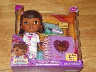 New 2012 Disney Doc McStuffins Big Book of Boo Boos 9 Dottie Doll Set