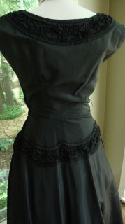 Incredible 50's Party Dress Black Red Crinoline Sz 6 Full Skirt Beautiful Detail