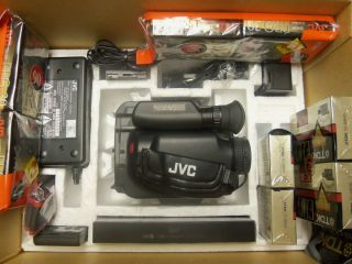 JVC GR AX5 Camera Recorder Player VHS Vidiomovie with Tapes