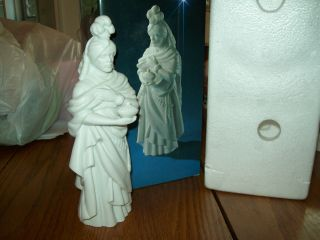 Avon Nativity White Porcelain Kaspar Wise Man Magi Perfect in Box
