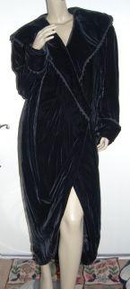 KATHRYN DIANOS Size M Black Silk Rayon Velvet Long Evening Opera Coat