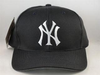 Kids Youth Size MLB New York Yankees Vintage Snapback Hat Cap Logo