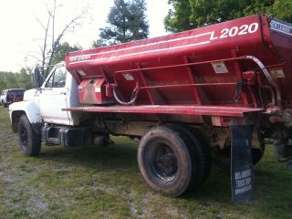 1990 Ford Truck with A New Leader 2020 Fertilizer Bed