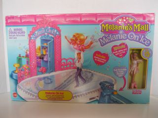 1997 Melanies Mall on Ice Show Skate Rink Boy Doll Costumes Cap Toys